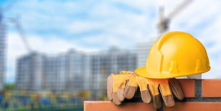 Photo pour Masonry build bricklayer construction handyman layer trowel - image libre de droit