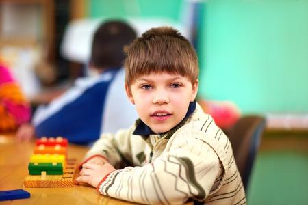 Foto de cognitive development of young kid with disabilities - Imagen libre de derechos