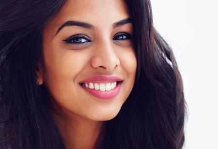 Photo pour closeup portrait of beautiful young smiling indian woman - image libre de droit