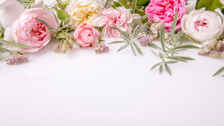 Foto de Beautiful English rose flower bouquet on white background - Imagen libre de derechos