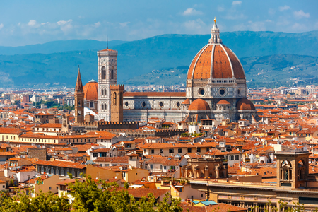 Photo pour Duomo Santa Maria Del Fiore and Bargello in the morning from Piazzale Michelangelo in Florence, Tuscany, Italy - image libre de droit