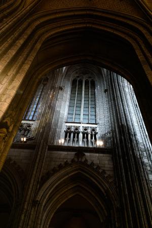 Foto de COLOGNE, GERMANY - SEP 23, 2016: Arch of Catholic Cologne Cathedral, being built since 1248 - Imagen libre de derechos