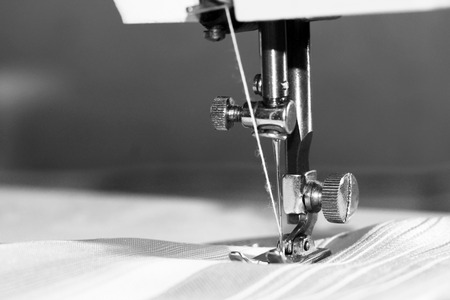 Photo pour Sewing machine close-up - image libre de droit