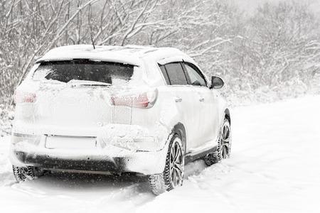 Foto de Car in the snow - Imagen libre de derechos