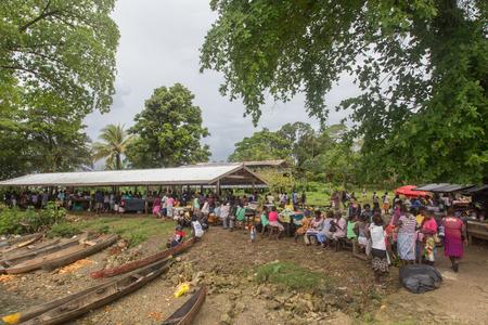 Photo pour Solomon Islands Local Market - image libre de droit