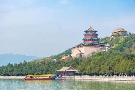 Photo pour Summer Palace landmark of Beijing, China. - image libre de droit