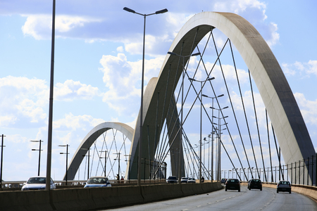 Foto de Juscelino Kubitschek bridge in  brasilia city capital of brazil - Imagen libre de derechos