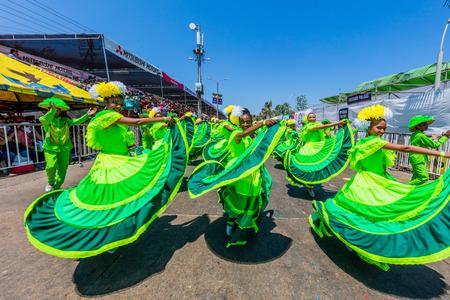 Foto de Barranquilla , Colombia  - February 25, 2017 : people participating at the parade of the carnival festival of  Barranquilla Atlantico Colombia - Imagen libre de derechos