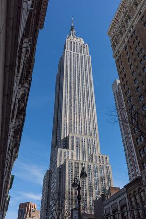 Photo pour Empire state building  Manhattan Landmarks in New York City USA - image libre de droit