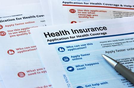 Photo pour Forms and application for health insurance - image libre de droit