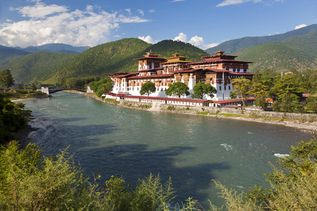 Foto de Punakha Dzong or monastery, Punakha, Bhutan - Imagen libre de derechos