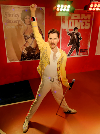 Photo pour BLACKPOOL, JANUARY 14: Madame Tussauds, UK 2018. Wax statue of Freddie Mercury, best known as the lead vocalist of the rock band Queen. - image libre de droit