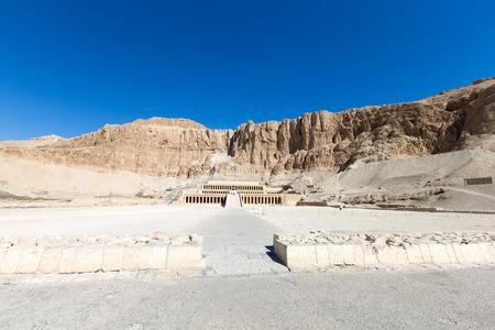Photo pour The temple of Hatshepsut near Luxor in Egypt - image libre de droit