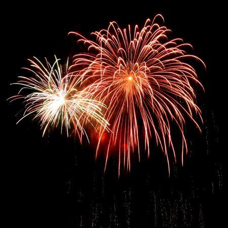 Photo pour long exposure of multiple fireworks against a black sky - image libre de droit