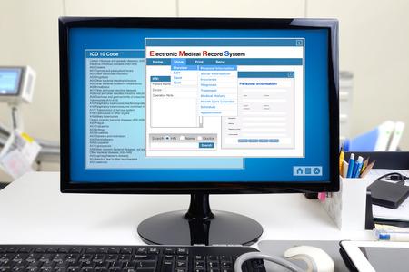 Foto de Medical information and electronic medical record system show on computer display. - Imagen libre de derechos