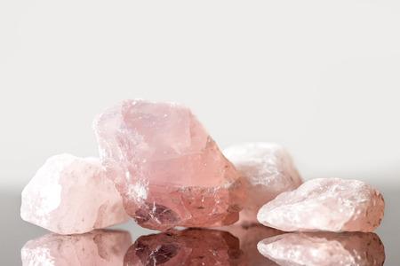 Photo pour Rose quartz uncut, crystal healing for love and heart, reflections - image libre de droit