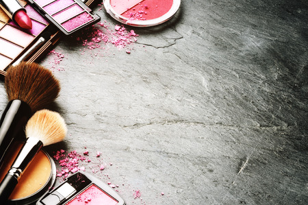Foto de Various makeup products in pink tone with copyspace - Imagen libre de derechos