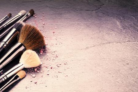 Photo pour Collection of professional makeup brushes with copyspace - image libre de droit
