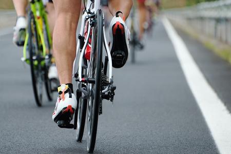 Foto de Cycling competition,view from behind - Imagen libre de derechos