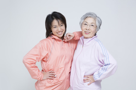 Foto per Sportswear up mother and daughter - Immagine Royalty Free