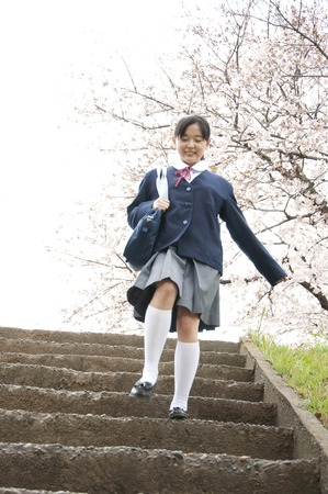 Middle school girls to descend the stairs
