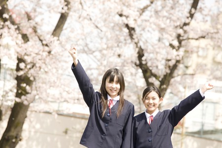 Two female junior high school students to the guts pose