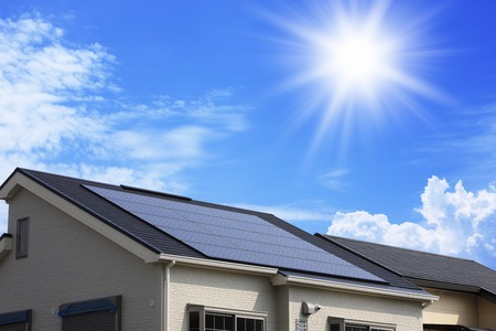 Photo pour Solar panel roof - image libre de droit