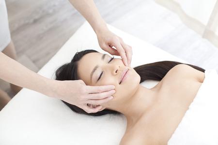 Photo pour Facial massage - image libre de droit