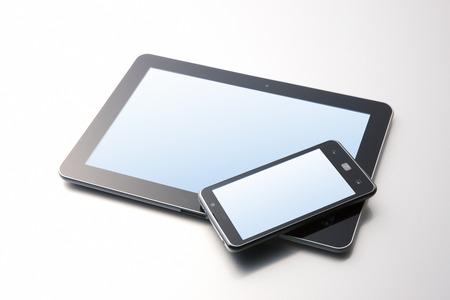Photo pour Smartphone and Tablet PC - image libre de droit
