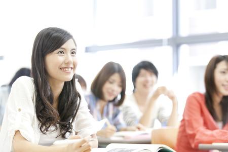 Foto de Women's College students receive lectures - Imagen libre de derechos