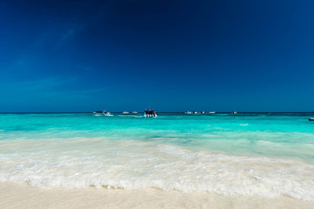 Photo pour Beautiful the exotic beach and very nice beach for relaxation - image libre de droit