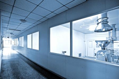 Foto de Pharmaceutical production lines and equipment - Imagen libre de derechos