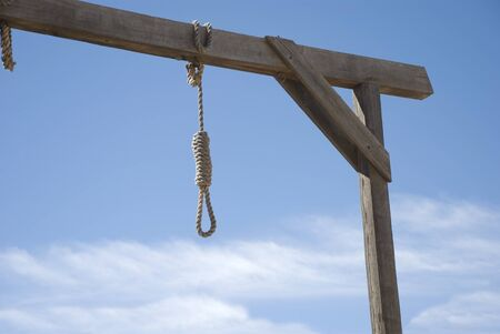 Photo pour Noose Hanging from Gallows - path included - image libre de droit