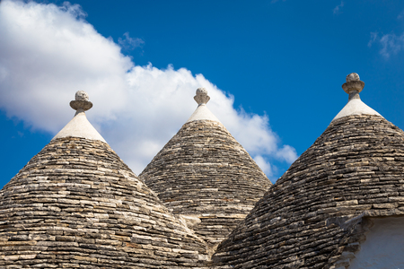 Photo pour Alberobello, Puglia Region, South of Italy. Traditional roofs of the Trulli, original and old houses of this region. - image libre de droit