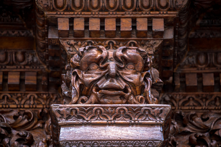 Photo pour Detail of the Devil Door in Turin, Italy. Located in Via Vittorio Alfieri, dated around 1850. The legend says that this door was not there the evening before and it appears mysteriously the morning after. - image libre de droit