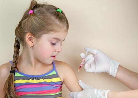 Foto de child vaccinations close up - Imagen libre de derechos