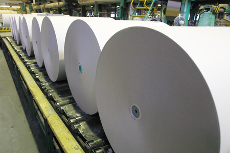 Photo pour Paper and pulp mill plant - Rolls of cardboard - image libre de droit