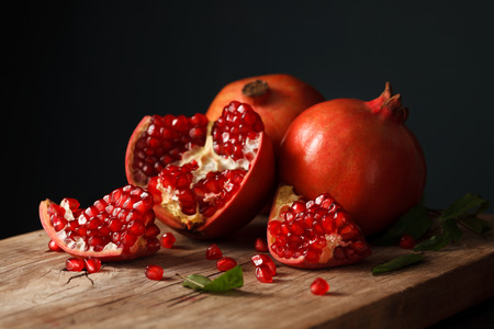 Photo pour pomegranate fruit healthy food fresh organic still life vegetarian juicy antioxidant - image libre de droit