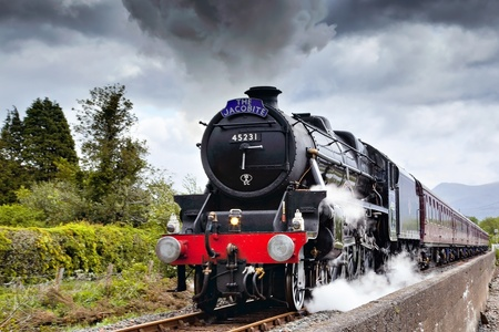 Foto per The Jacobite steaming through Corpach - Immagine Royalty Free