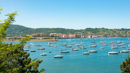 Photo pour a view of the bay of Hendaye, Pyrenees  - image libre de droit
