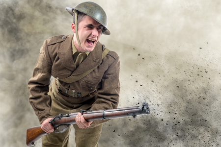 Photo pour an American World War 1 soldier attack. 1917-18 - image libre de droit
