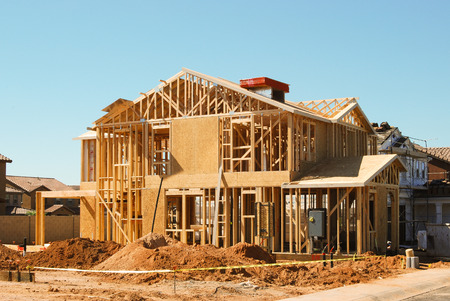 Foto de Framing of home under construction - Imagen libre de derechos