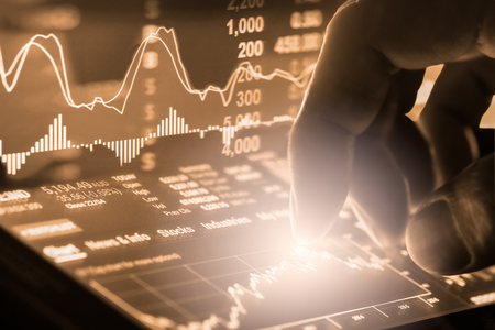 Photo pour Index graph of stock market financial indicator analysis on LED. Abstract stock market data trade concept. Stock market financial data trade graph background. Global financial graph analysis concept. - image libre de droit