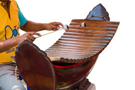 Foto de one man is solo xylophone Thai instruments - Imagen libre de derechos