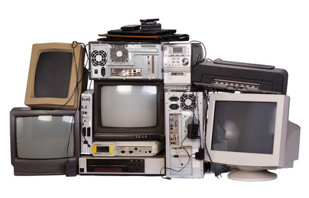 Foto de Old, used and obsolete electronic equipment isolated on white - Imagen libre de derechos