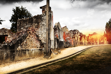 Foto de Ruins of houses destroyed by bombardment in the second world war - Imagen libre de derechos
