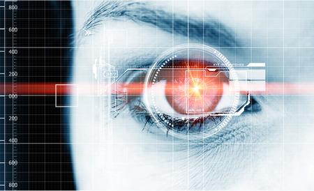 Foto de Digital eyes with laser ray - Imagen libre de derechos