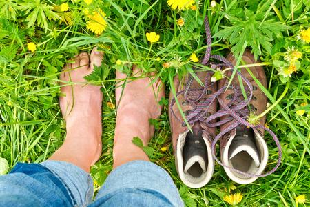 Foto de Barefoot in nature - Imagen libre de derechos