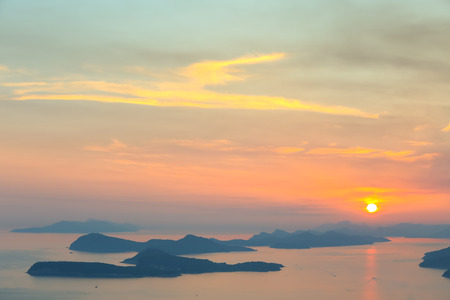 Foto de A view of Elafiti islands in the Adriatic sea next to Dubrovnik at sunset. - Imagen libre de derechos