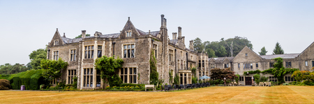Photo pour Traditional old manor house on the countryside of in Wales, UK - image libre de droit
